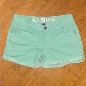 Mid-rise mint Express shorts